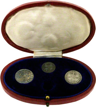 1905 Maundy Set in Red Oval Presentation Box