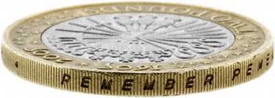 Edge of 2005 £2 Coin
