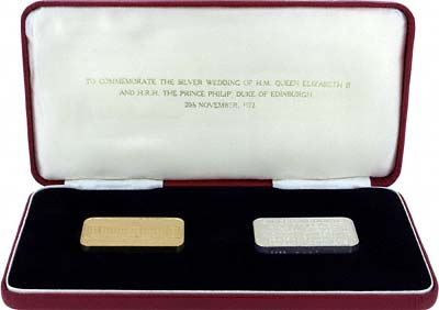 Pair of Gold & Silver of 1972 Buckingham Palace Ingots in Box
