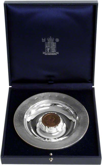 Royal mint britannia silver dish with replica cartwheel penny